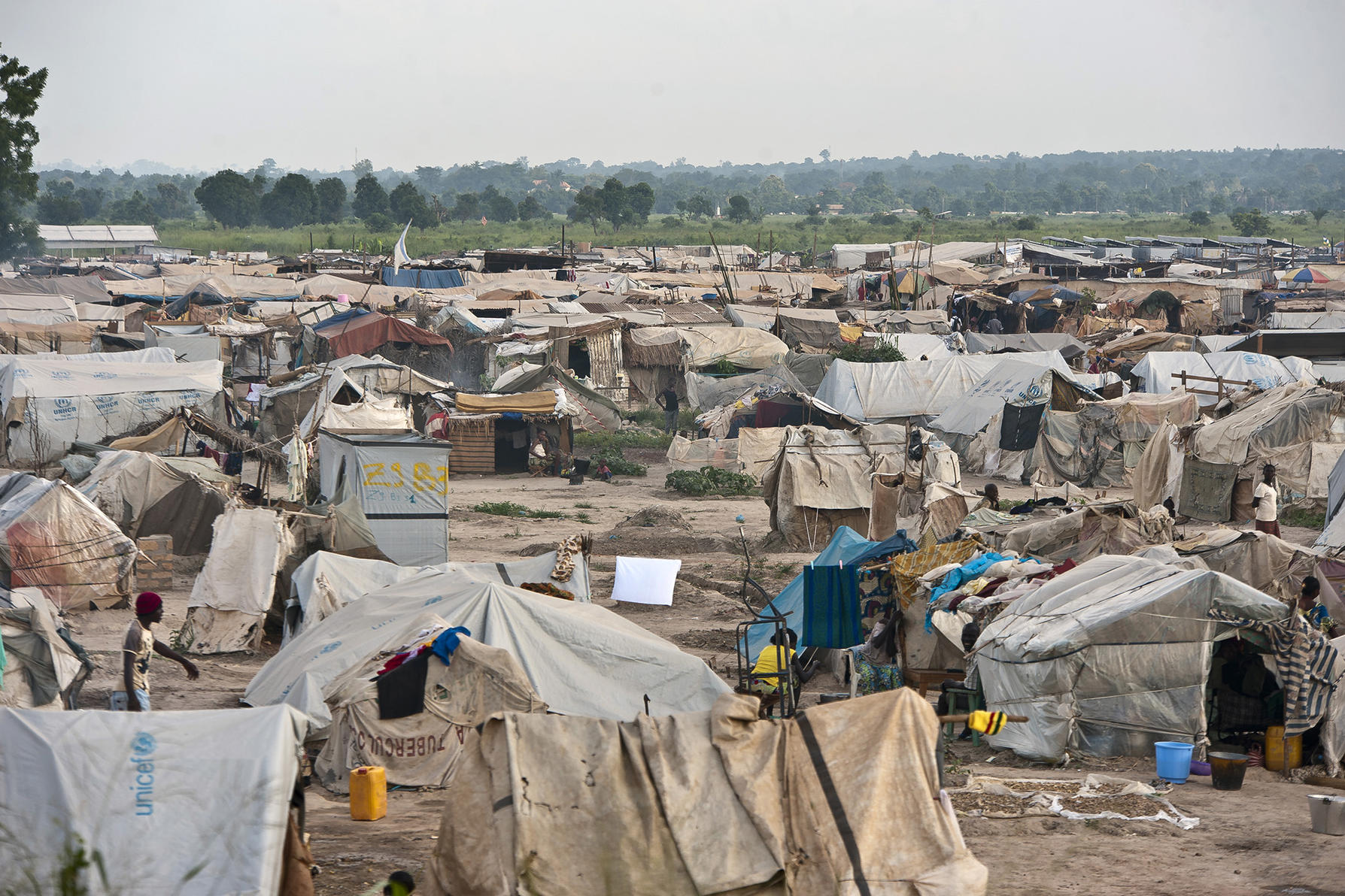 A view of the camp for internally displaced persons (IDPs) at M'poko Airport in Bangui, capital of the Central African Republic. (UN Photo/Catianne Tijerina)