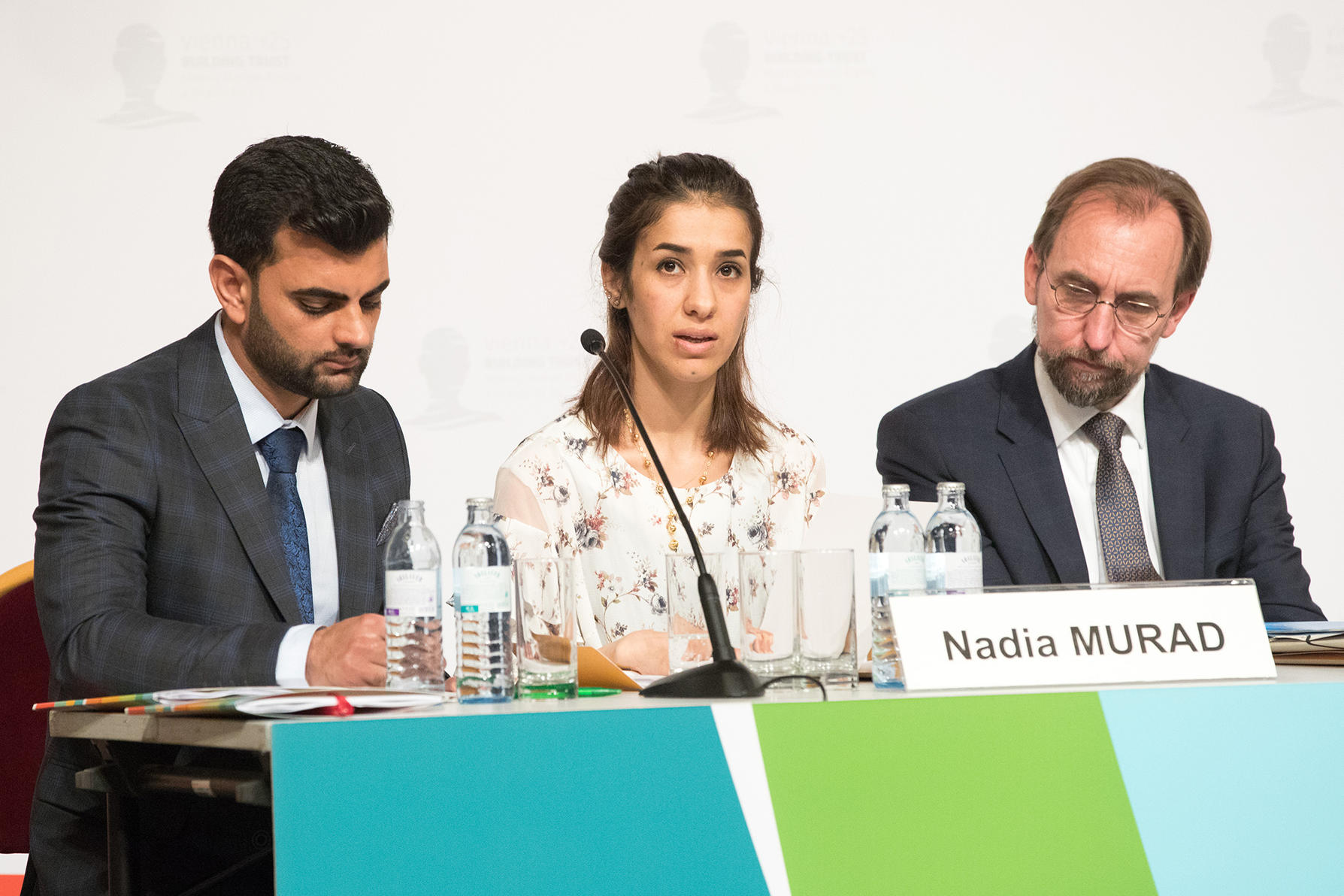 Nadia Murad (center), UNODC Goodwill Ambassador for the Dignity of Human Rights Trafficking, Iraq; Zeid Ra'ad Al Hussein (right), former UN High Commissioner for Human Rights (Photo: photonews.at/Anna Rauchenberger)