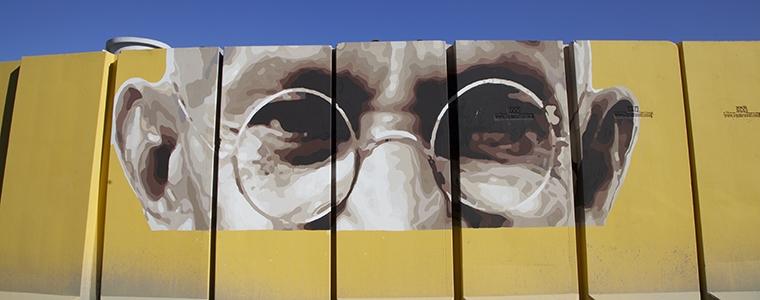 mural of Gandhi