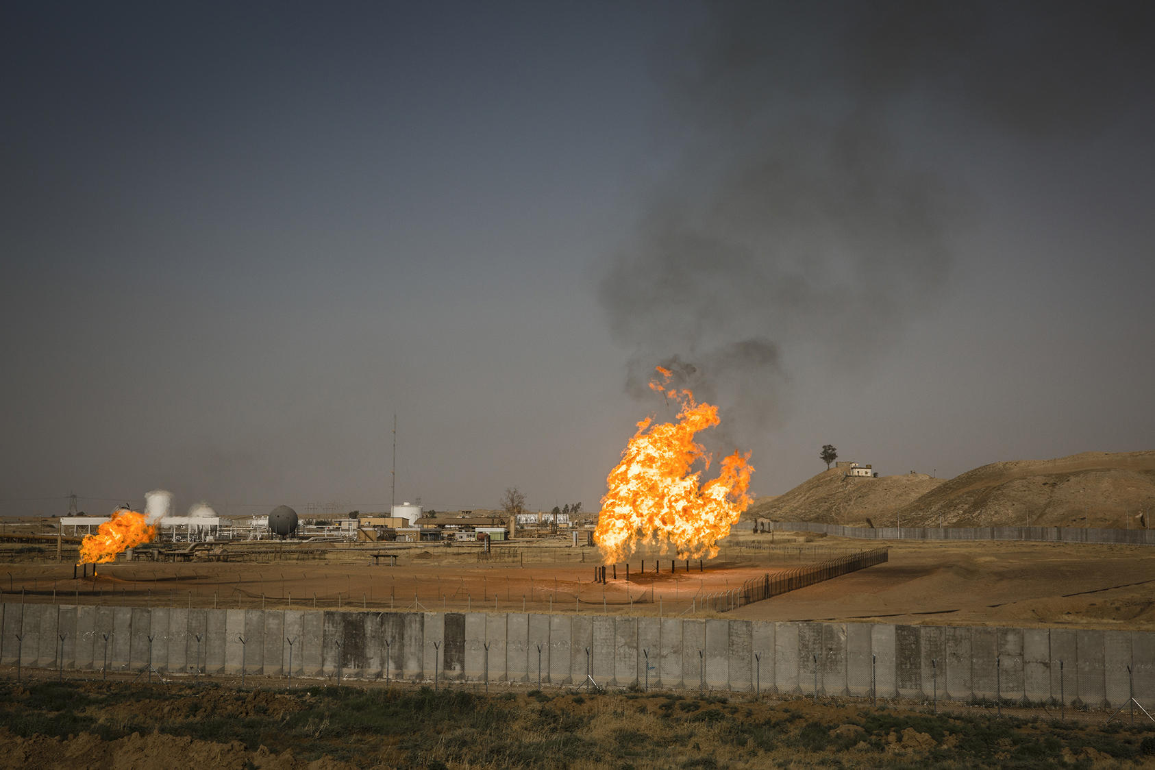 Gas flares at an oil field in Kurdish-controlled territory near Kirkuk, Iraq, Oct. 2, 2017. Kurds voted overwhelmingly for independence in a referendum in September that drew threats of retaliation from the Iraqi authorities, but since then, the Kurds have taken no steps to actually declare independence, and Baghdad and its allies have done nothing to make good on their threats of intervention. (Ivor Prickett/The New York Times)