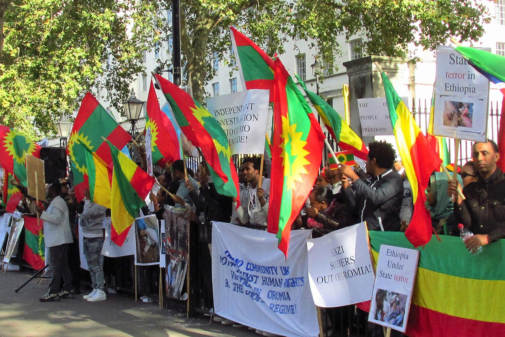 Protestors gather in London, U.K. in response to Ethiopian human rights concerns, October 11, 2016. Ethiopia's Prime Minister Abiy Ahmed has made strides to ease restrictions on civil liberties since taking office in April 2018. (David Holt via Flickr)