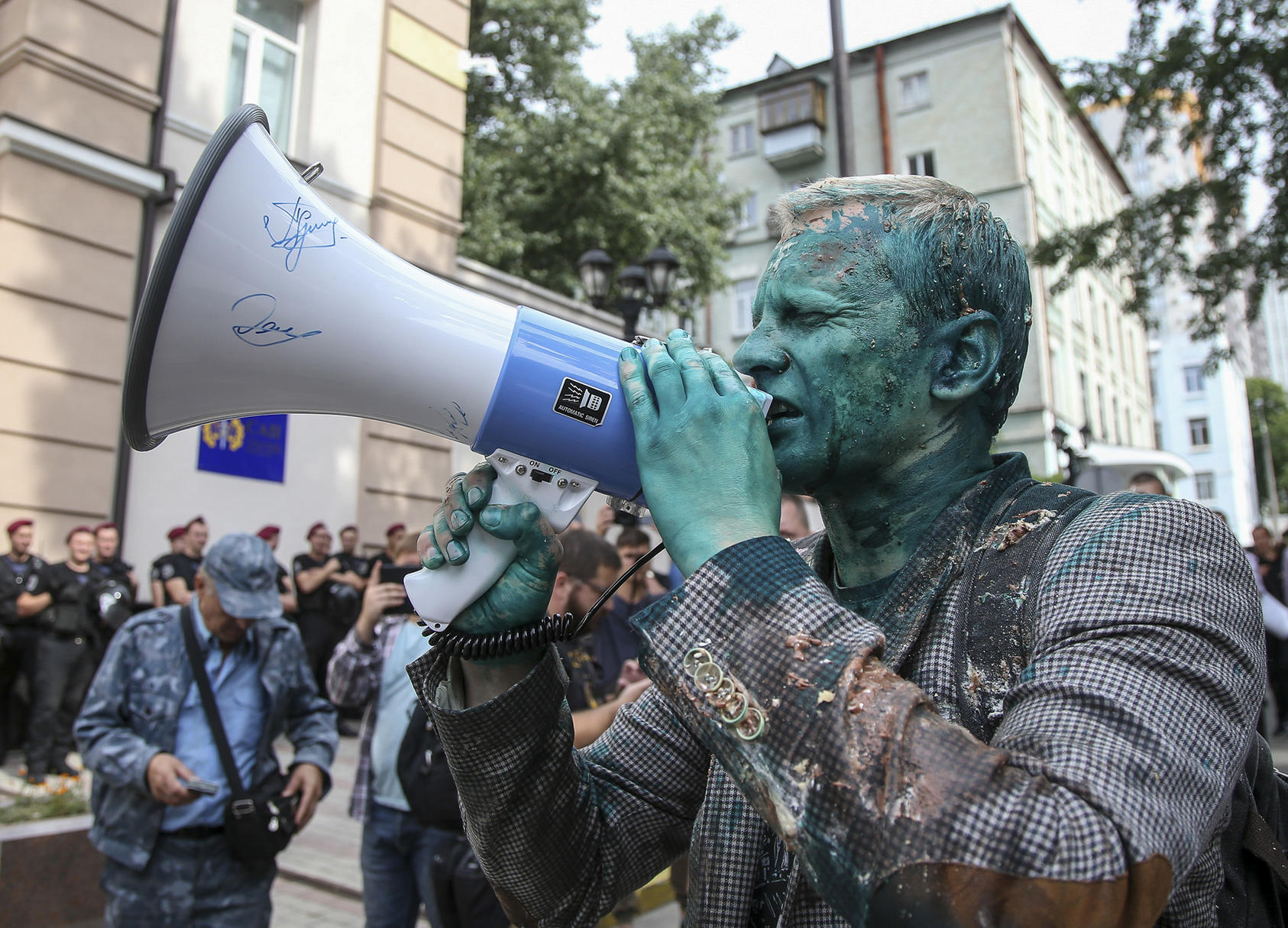 Vitaly Shabunin of the Anti-Corruption Action Center rallies protesters outside the Specialized Anti-Corruption Prosecutor's Office in Kyiv. (Photo by Viacheslav Ratynskyi/Reuters)