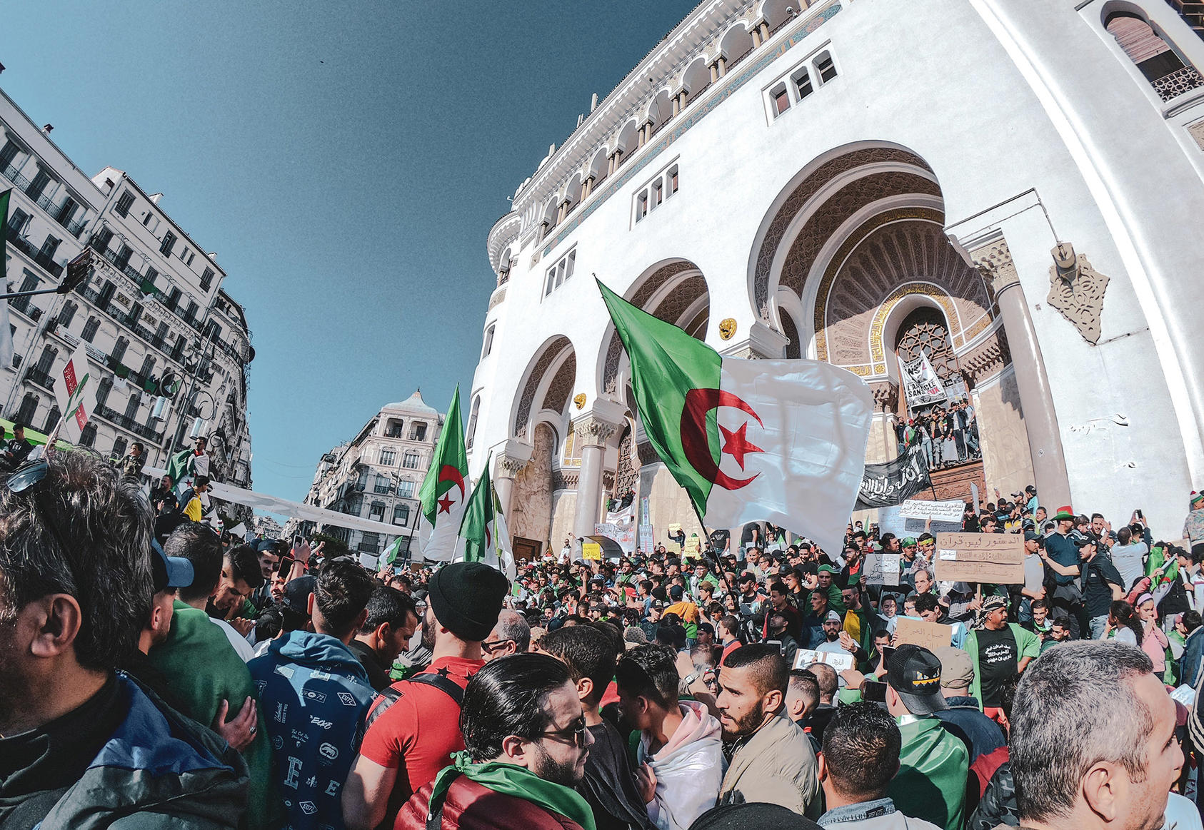 Protesters gather in Alger Centre, Algeria to pressure the army to overhaul the country's political system. (Abdelfatah Cezayirli)