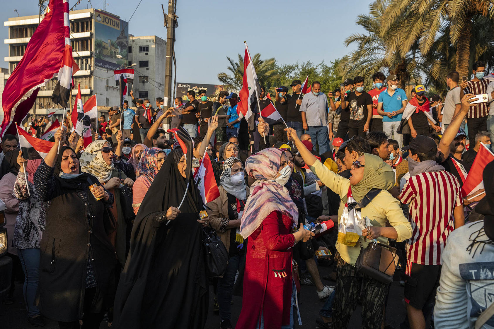 Protesters fill Tahrir Square in Baghdad, Oct. 30, 2019. (Ivor Prickett/The New York Times)