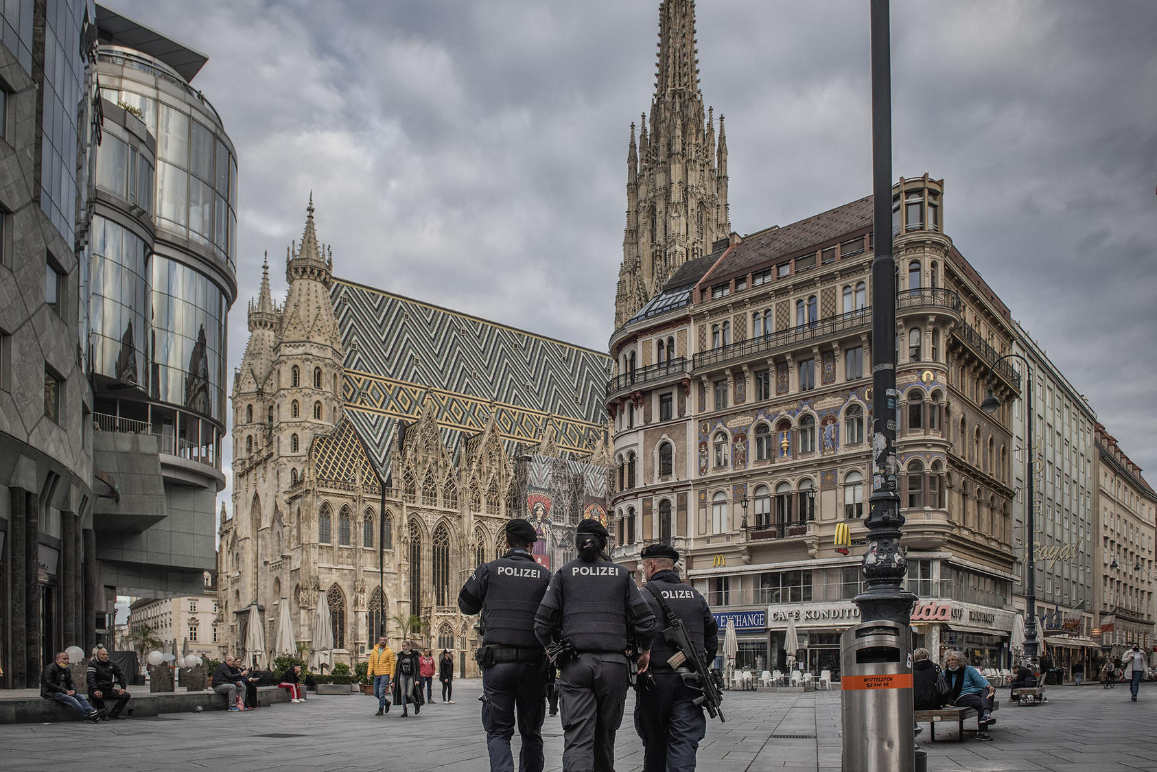 Police patrol the scene of a mass shooting in central Vienna on Tuesday, Nov. 3, 2020. The attacker, who was killed by police, was a 20-year-old Austrian citizen who had once been imprisoned for attempting to travel to Syria to join the Islamic State. (Laetitia Vancon/The New York Times)