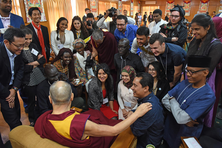 His Holiness the Dalai Lama with the Youth Leaders