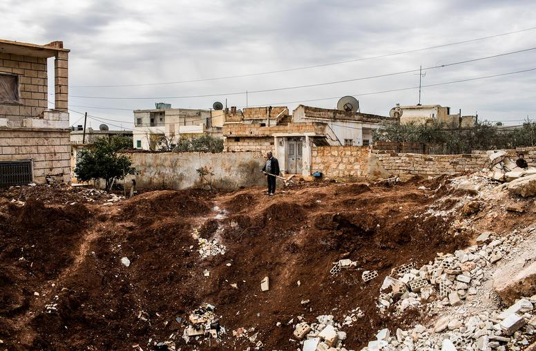 How U.S. Strikes in Syria Could Complicate War on ISIS