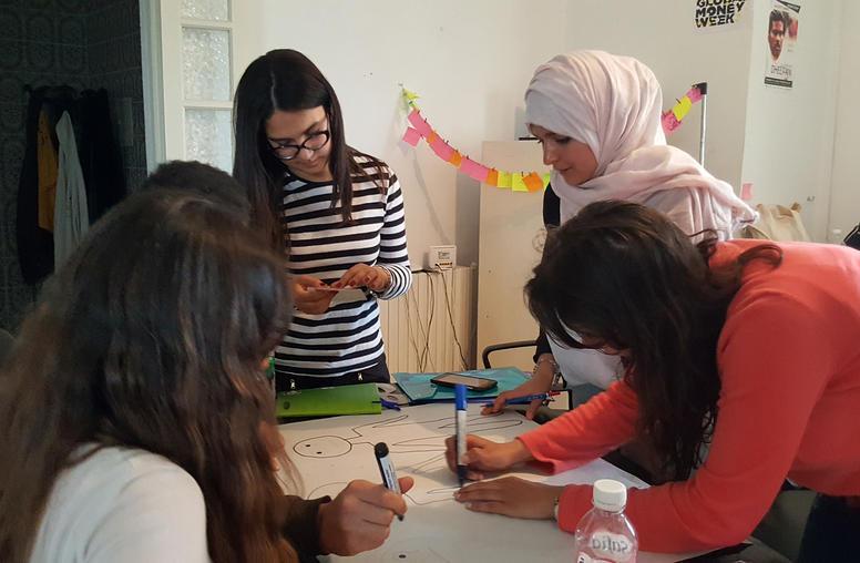 Tunisian Student Unions Bridge Islamist, Secular Divide