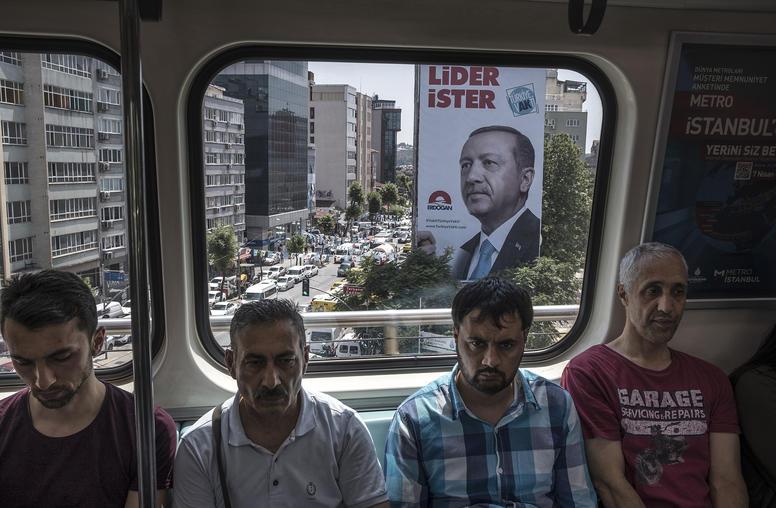 Ex-Ambassador: Alter Policy Toward Authoritarian Turkey