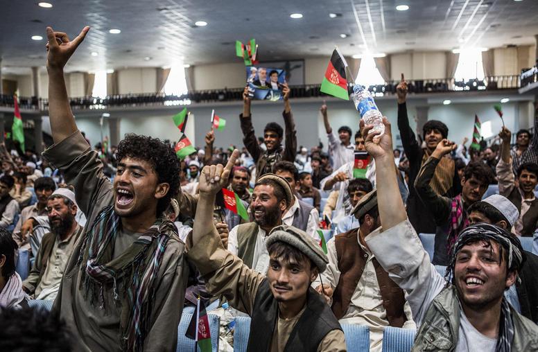 Afghan Voters Exhibit Enthusiasm Despite Election Flaws