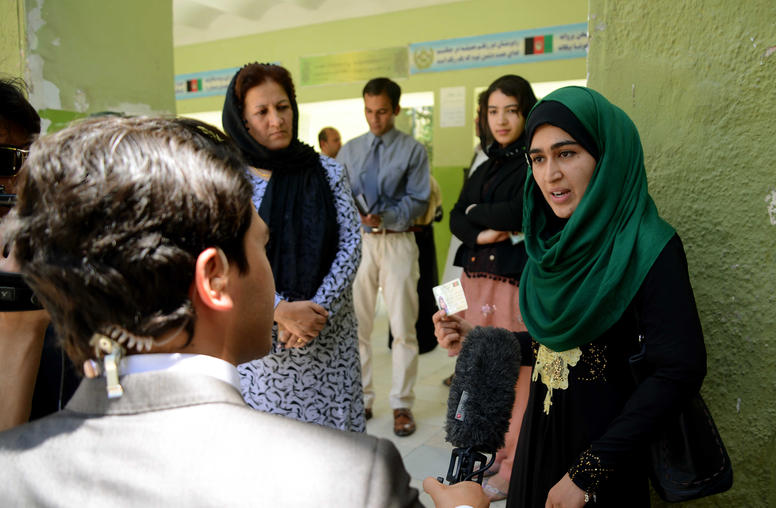 Afghan Women Defy Violence and Vote