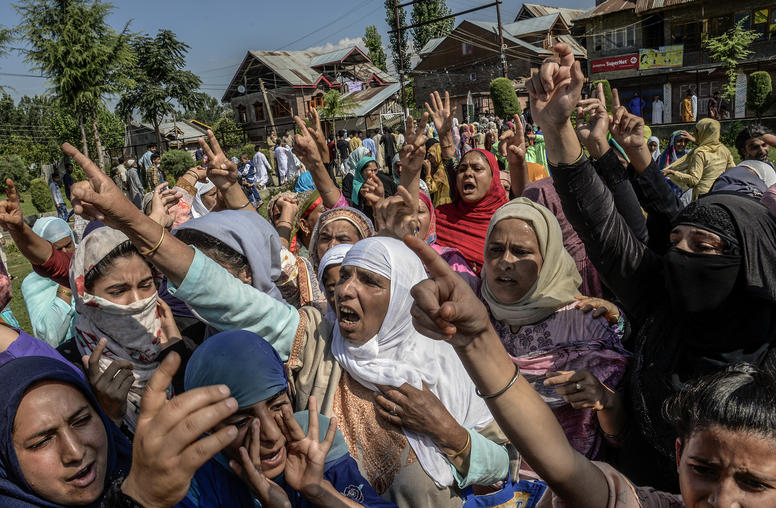 Kashmir Crisis Raises Fear of Intensified India-Pakistan Conflict