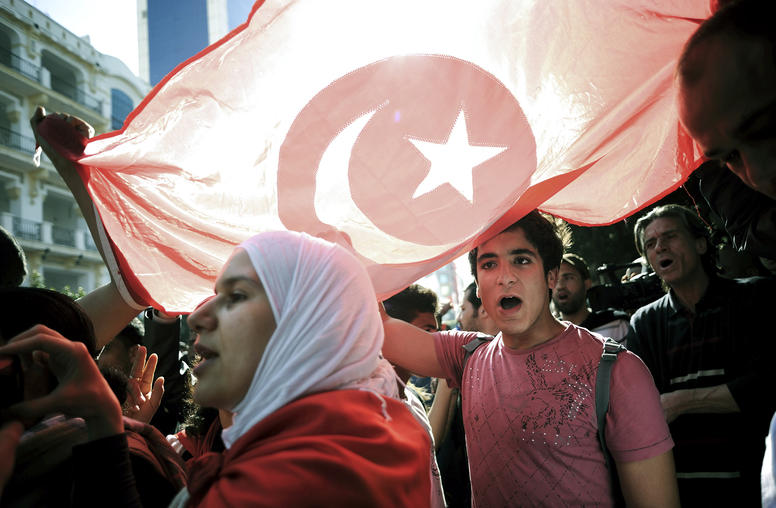 Tunisians Show Support for Democracy, Disillusionment with Ruling Elite